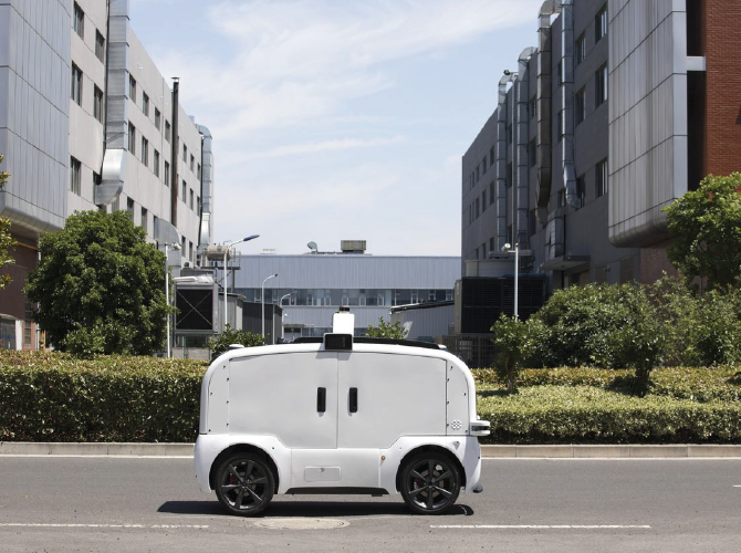 Self driving cars are functioning properly with the help of machine learning algorithms